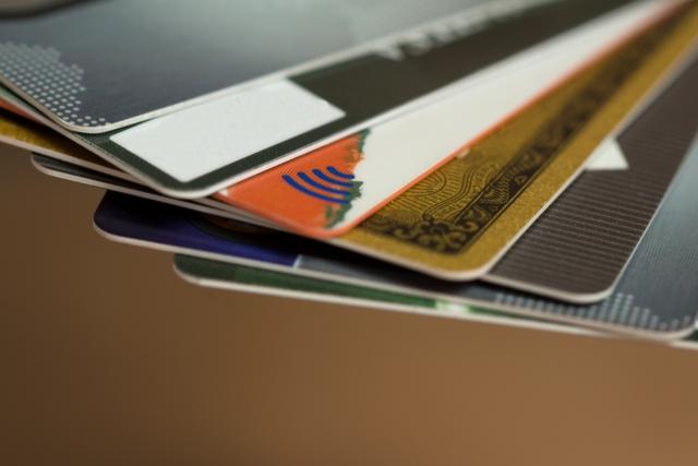 カードローンとは?カードローンの種類、銀行・消費者金融カードローンの違いを徹底比較!