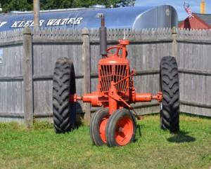 農業で使う赤い機械