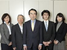 梅川公認会計士事務所メンバーの集合写真