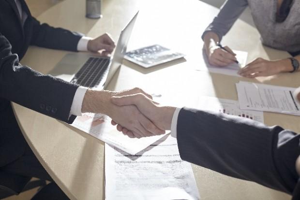【最新2020年】三社間ファクタリングとは?ファクタリング利用時の債権の流れを図式で解説!
