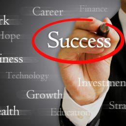 ファクタリングで債権を資金に、ファクタリング手数料 、売掛金業者、取引利用譲渡のメリット、ファクタリング契約と融資方法