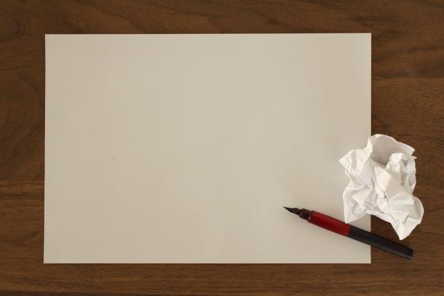 白紙とペン