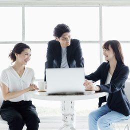 創業手帳の運営母体や(創業手帳株式会社が)提供しているサービスについて紹介