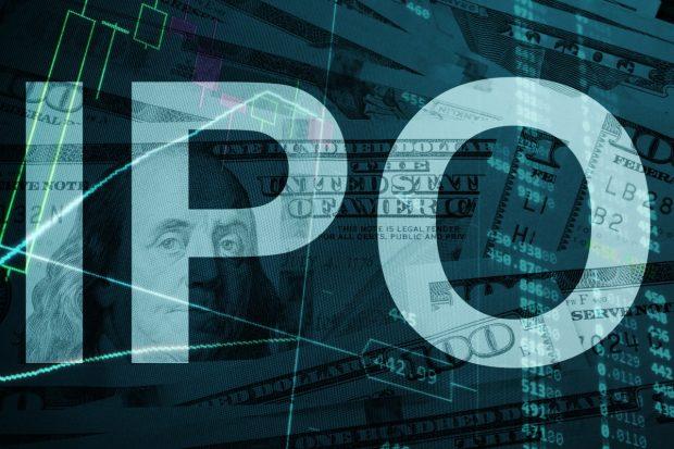 ドル紙幣とレーダーチャートを背景としたIPOの文字