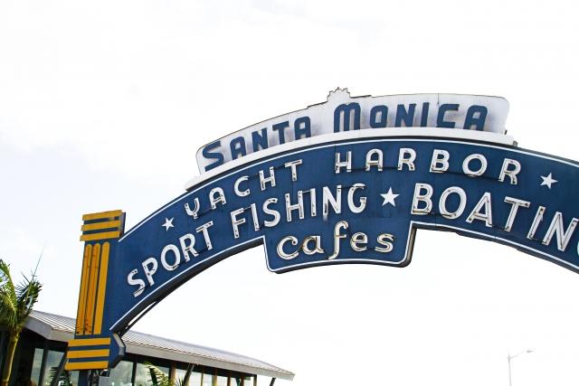 サンタモニカビーチの入口
