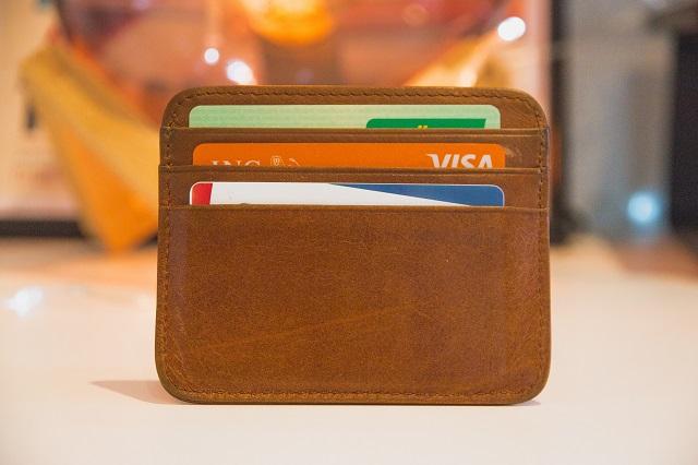 還元率の高いクレジットカードでお金を増やそう