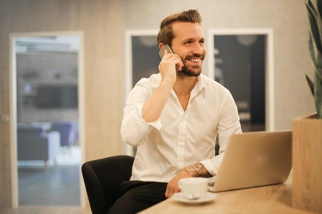 フリーランスのITコンサルタントは稼げる?働き方や収入の目安などを紹介!