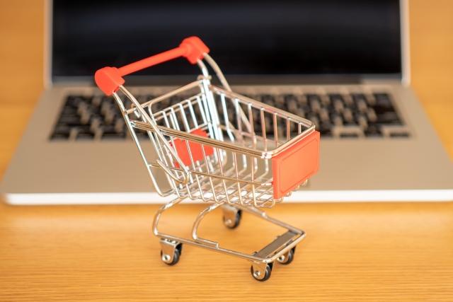 フリーランスのネットショップ運営者は稼げる?働き方や収入の目安などを紹介!