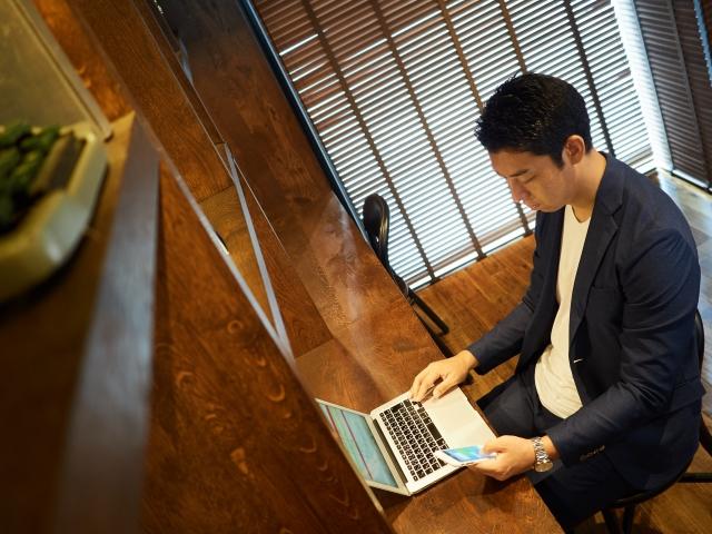 朝から家で仕事するWeb系フリーランス
