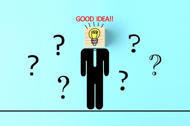 フリーランスエンジニアを目指すためにどうやって経験を積んでいくかについてのアイデアを浮かべる