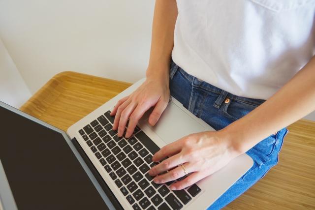 主に自宅で作業するWebライター